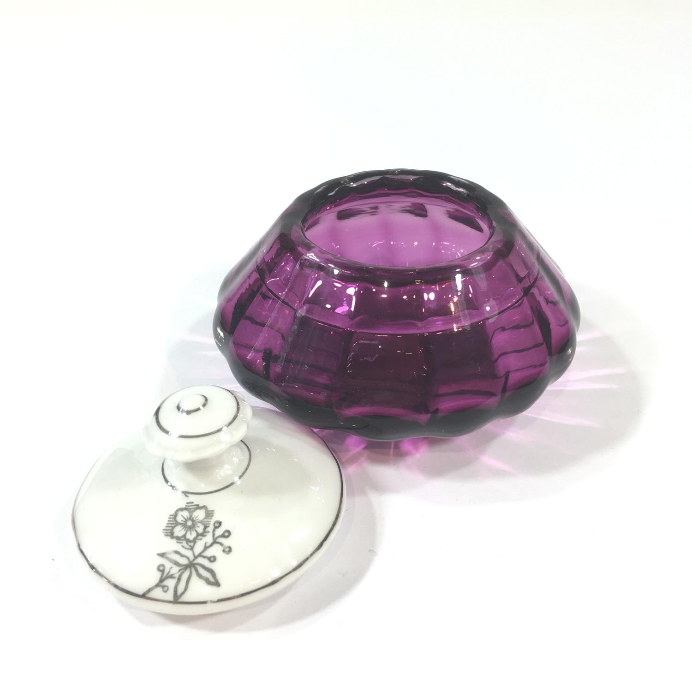 Glasdose mit Porzellandeckel Amethyst Bild 2