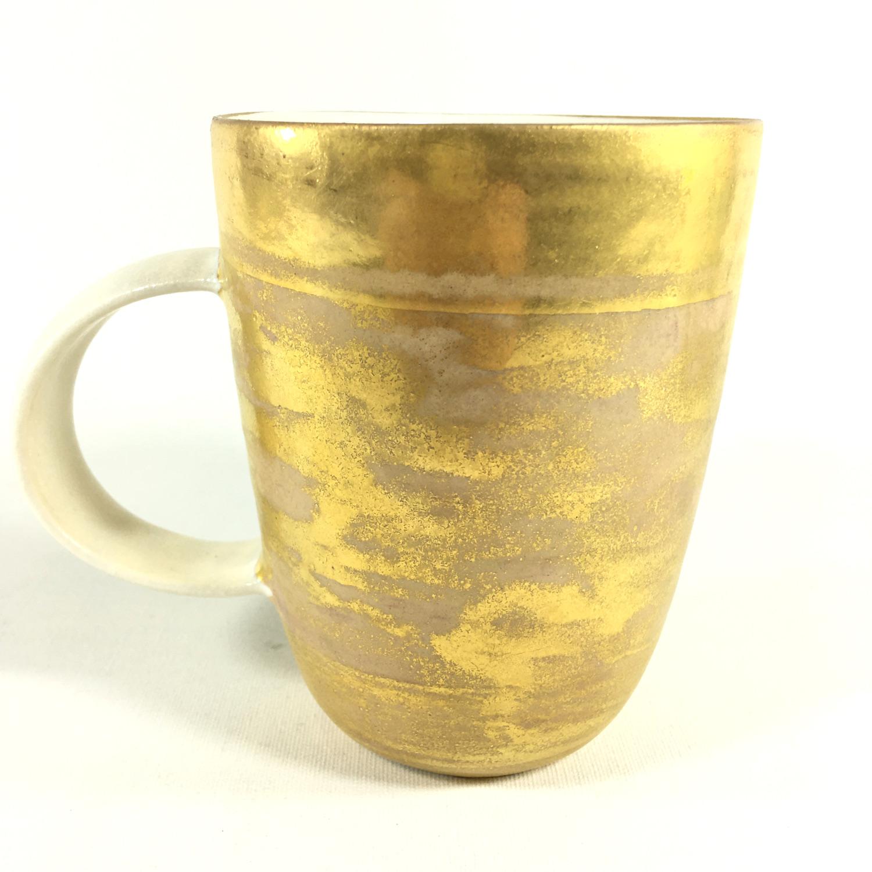 Goldenes Porzellanbecher-Unikat Bild 2