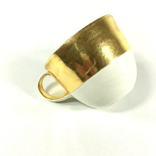 Porzellantassen-Unikat mit breitem Goldrand Bild 1