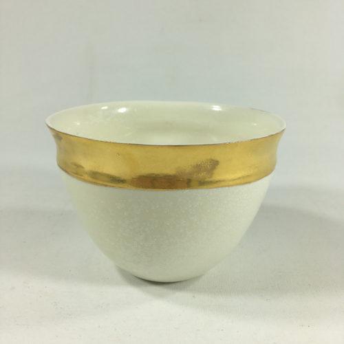 Porzellantassen-Unikat mit feinem Goldrand Bild 1